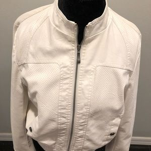 New white Leather Look Ladies Jacket Size L